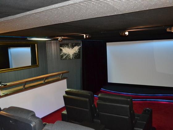 Cinebar 4D