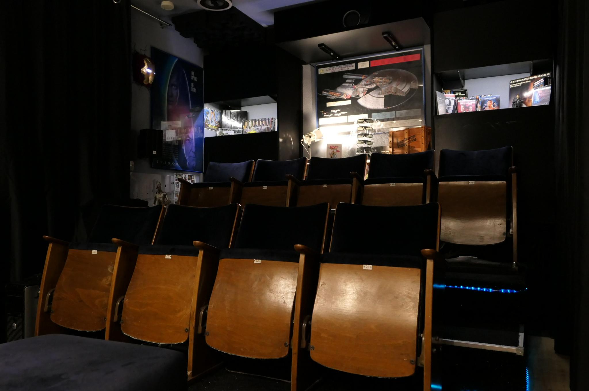 Sitze (Kino dunkel)